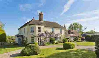6 of the Best...Properties for wisteria-lovers