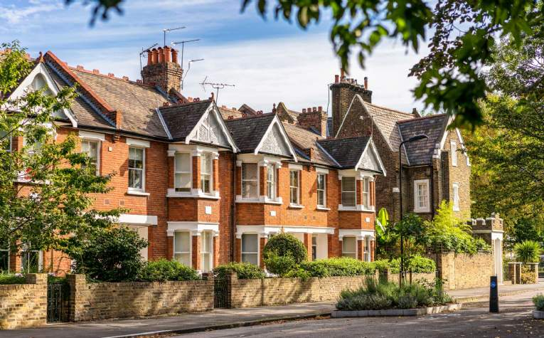 Flats and Houses for sale in Maida Vale